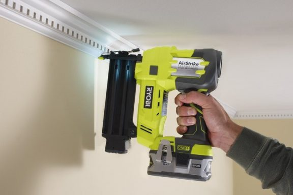 How to know you need to replace your nail gun?